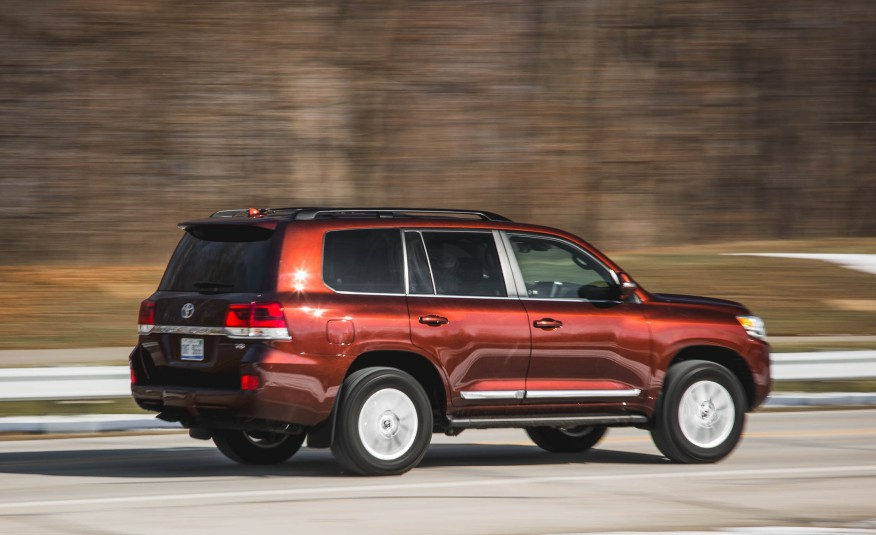 2016-Toyota-Land-Cruiser-104-876x535