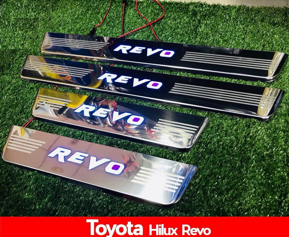 Scuff Plate with LED for Toyota revo 2016