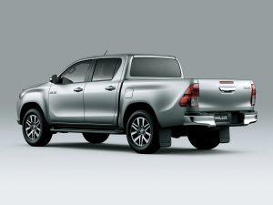 2016-Toyota-Hilux-2