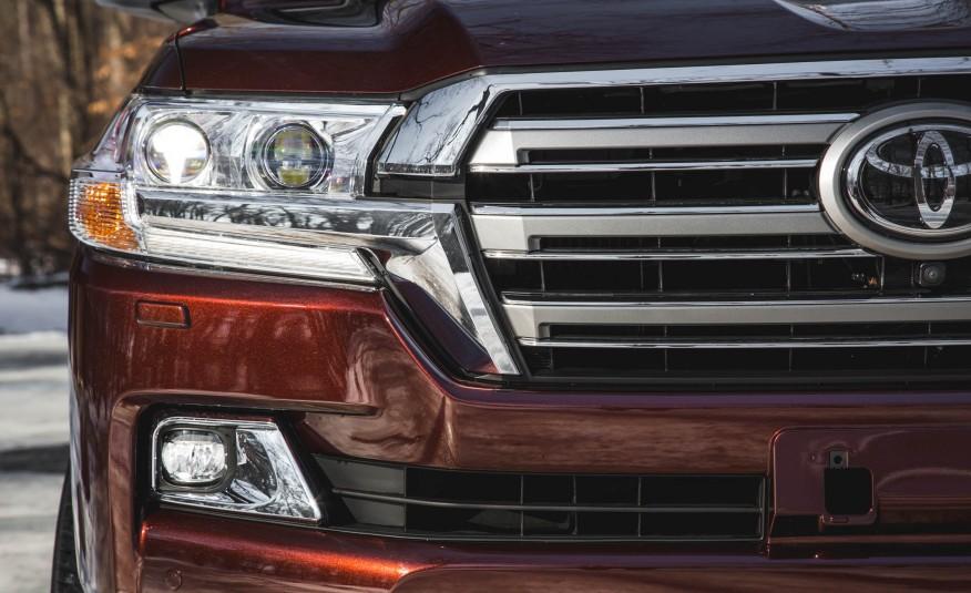 2016-Toyota-Land-Cruiser-113-876x535