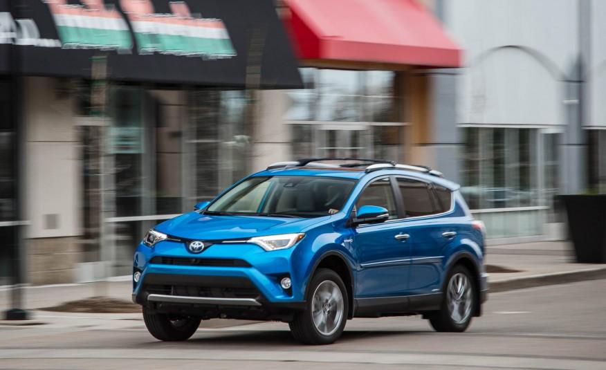 2016-Toyota-RAV4-Limited-hybrid-105-876x535