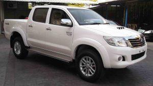 Toyota-Hilux-Vigo-Double-Cab-2013-02