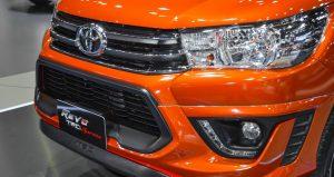 2016-Toyota-Hilux-Revo-TRD-Sportivo-front-bumper-at-2016-BIMS copy