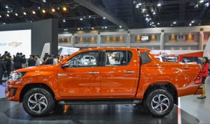2016-Toyota-Hilux-Revo-TRD-Sportivos-side-at-2016-BIMS