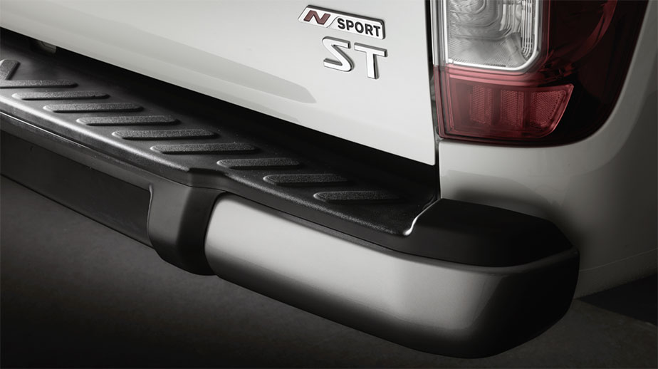 Navara-Rear-bar